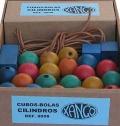 Cubos, bolas y cilindros de madera