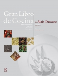 Gran libro de cocina de Alain Ducasse.